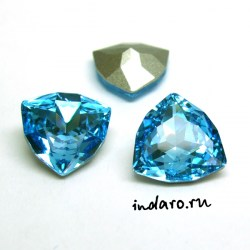 Swarovski Trilliant 4706 Aquamarine 12mm